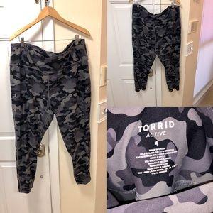 Torrid camo plus size active pants size 4